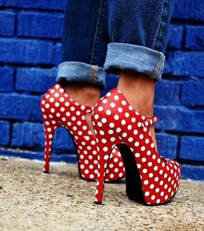 Обувь на каблуке фото фото девушки в
