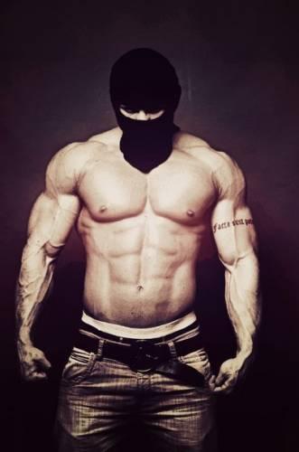 Фото в маске парней