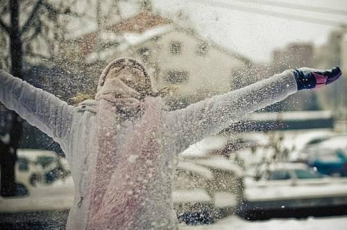 Девушка в снегу аватарка для контакта